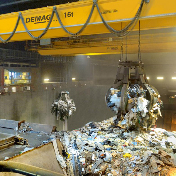 Demag Kierrätyksen ja massojensiirron nosturit